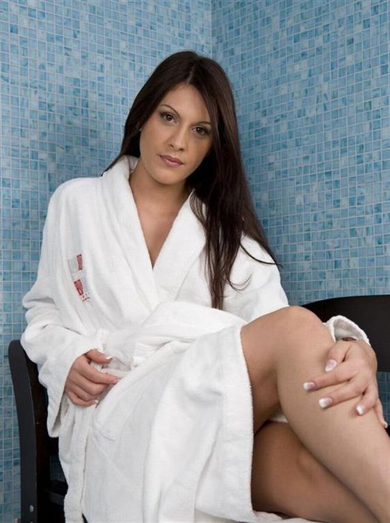 Mature Finnish massage in Emirates Shower sex - 9