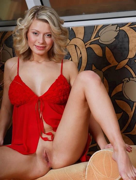 Excited Asian Dubai escort girlfriend Striptease show - 10