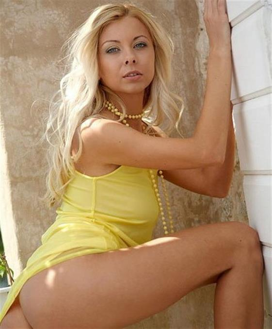 Luxurious Czech escorts Emirates Ball linking service - 10