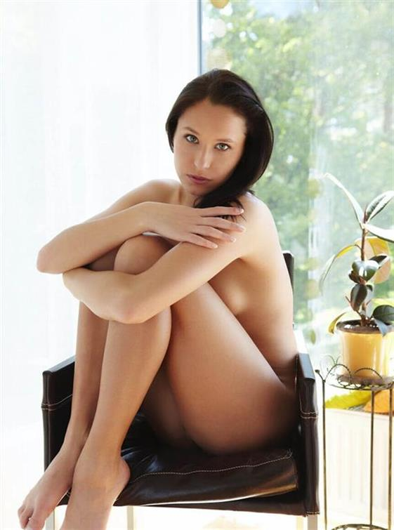 Sensual Ukrainian Dubai escort Pussy licking - 10
