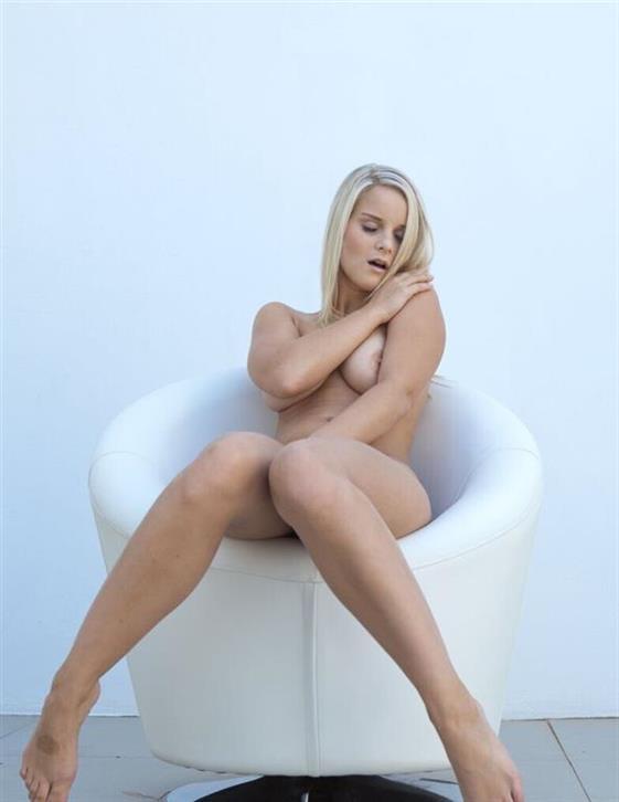 Elite Swedish Dubai escort girlfriend Masturbation show - 8
