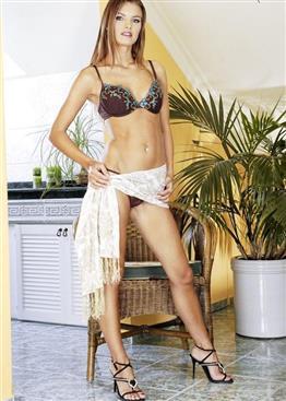 Lillie Asian Dubai escort companion – Dildo show anal