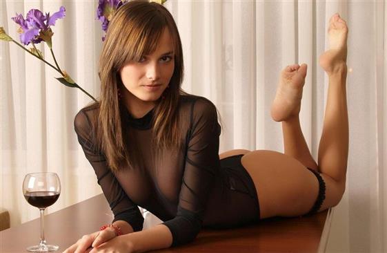 Classic Saudi Arabian escort model in UAE Striptease show - 10
