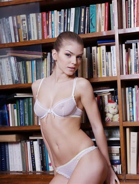 Elegant Finnish escort companion in UAE Blow job without condom - 2