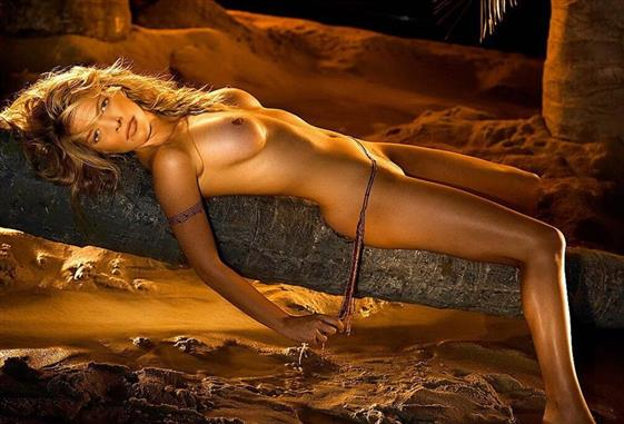 Sensual German escort in UAE Golden shower service - 2