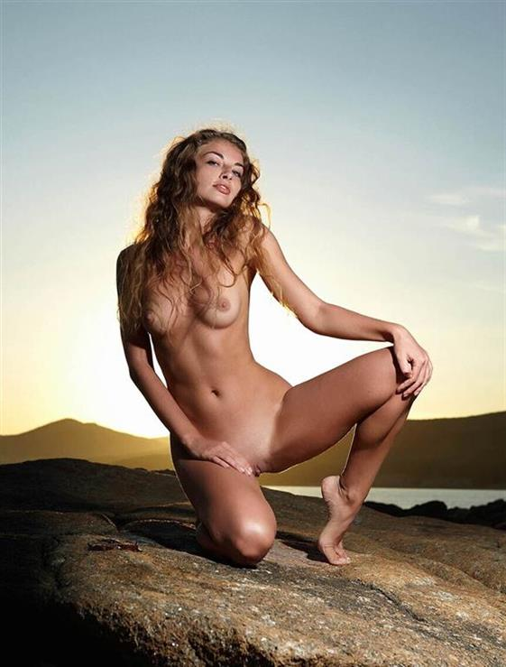 Excited Lebanese escort model Emirates Dildo show anal - 8