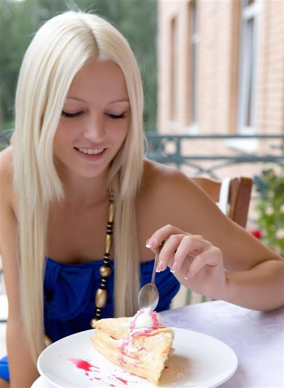 Best Finnish escorts girl in Dubai Striptease show - 5