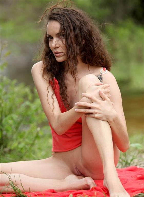 Luxurious Latvian model Foot sex - 1