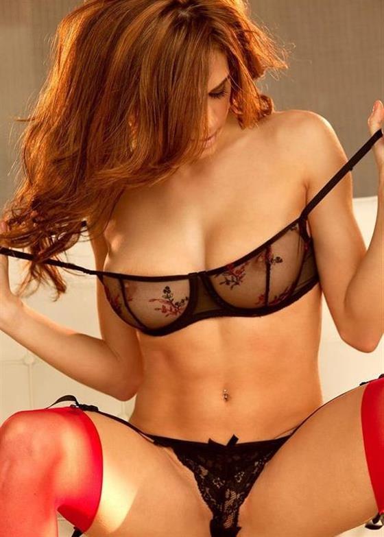 Sensual Latin massage model in Dubai French kissing - 4