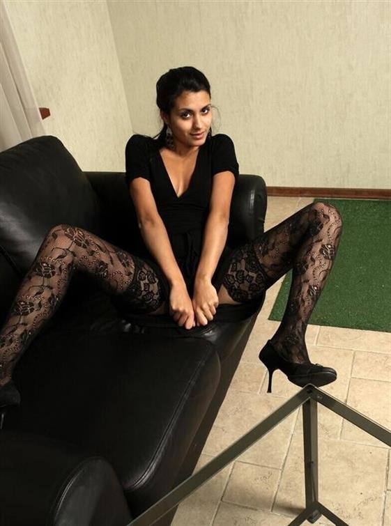Erotic Indonesian escorts in Dubai Ball linking service - 10