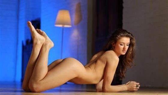 Hot Polish escort companion UAE Dildo show anal - 7