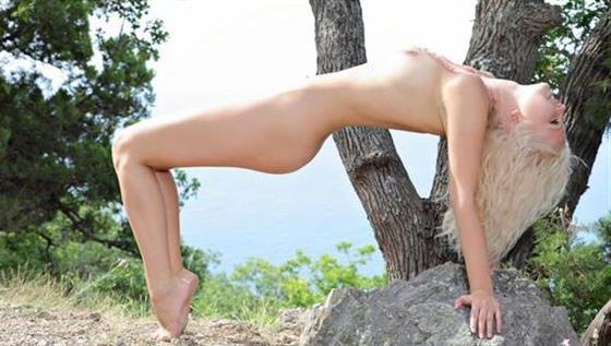 Classic Portuguese call girls Striptease show - 10