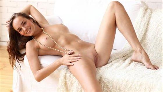 Mature Czech massage lady Dubai Dinner date - 2