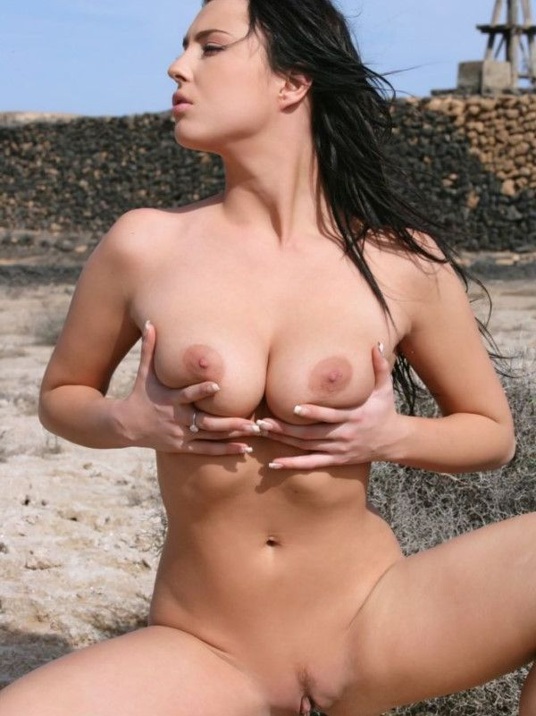 Great Romanian Teen Big Pussy Images 8 Of 10