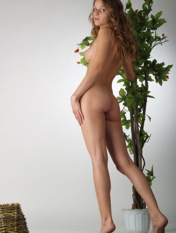 Deluxe Italian Women Foot Job Pictures 7 Of 10
