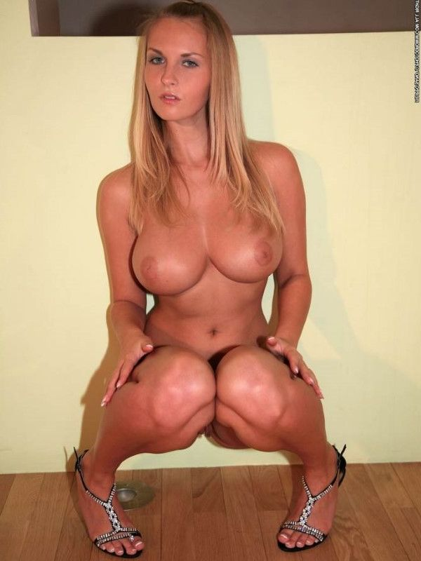 Fit Swedish Dubai Escort Girlfriend Shaved Pussy Pictures 1 Of 10