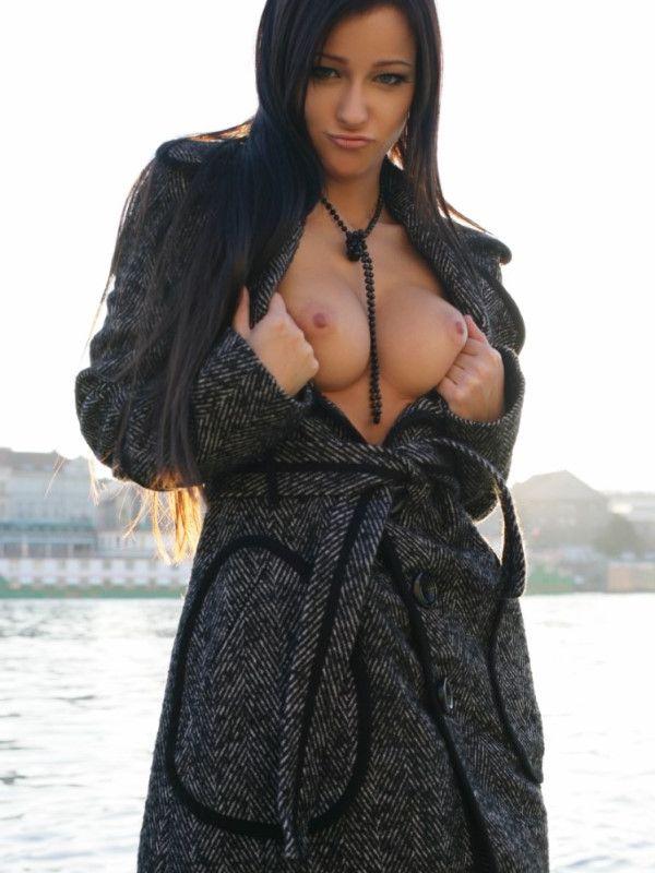 Curvy Finnish Dubai Escort Women Spanking Images 8 Of 10