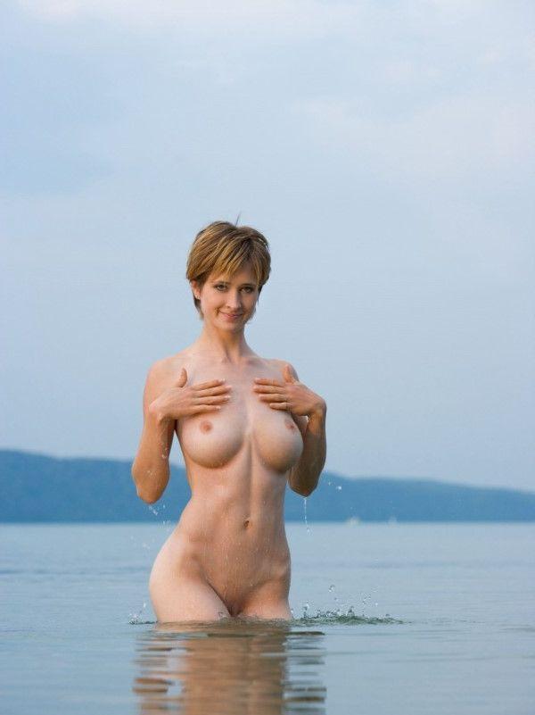 Independent British Dubai Escort Lady Big Tits Pictures 9 Of 10