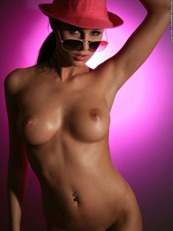 Nude Hungarian Dubai Escort Sweetheart Facesitting Pictures 8 Of 10
