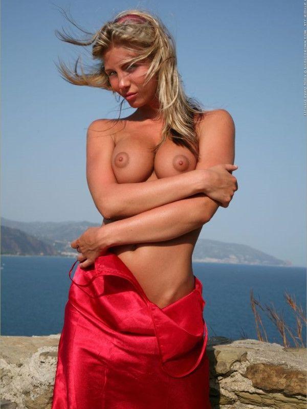 Fresh Romanian Dubai Escort Girlfriend Saggy Tits Pictures 2 Of 10